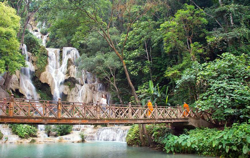 Kuangsi Waterfall Laos